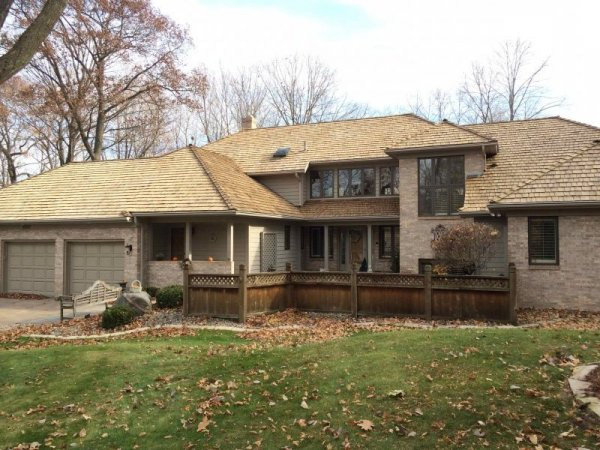 cedar roof cleaning minneapolis kuhls contracing cedar roof repair company deephaven