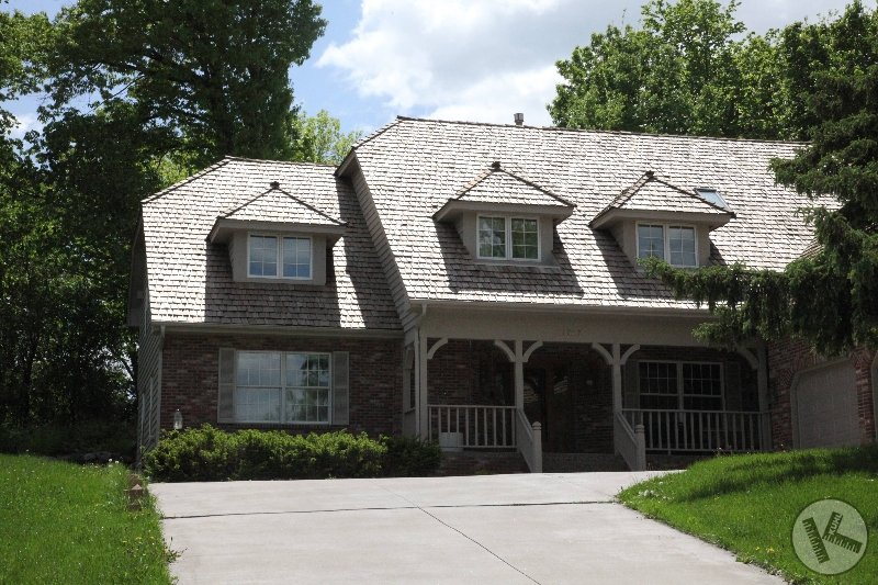 BEFORE: Cedar Roof Cleaning & Restoration in Eden Prairie