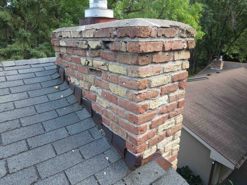 Bad Edina chimney before repair by Kuhl's Contracting
