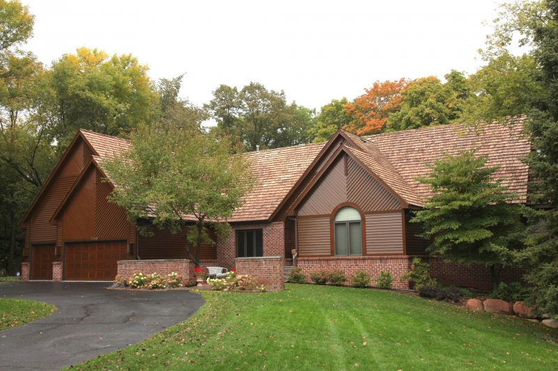 Gorgeous cedar shake roof kuhls contracting minneapolis after installation