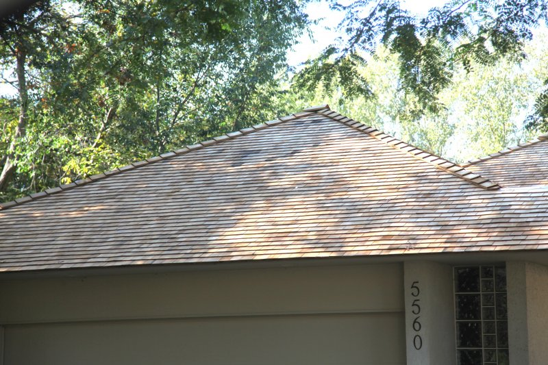 Cedar shingle roof Minnetonka by Kuhl