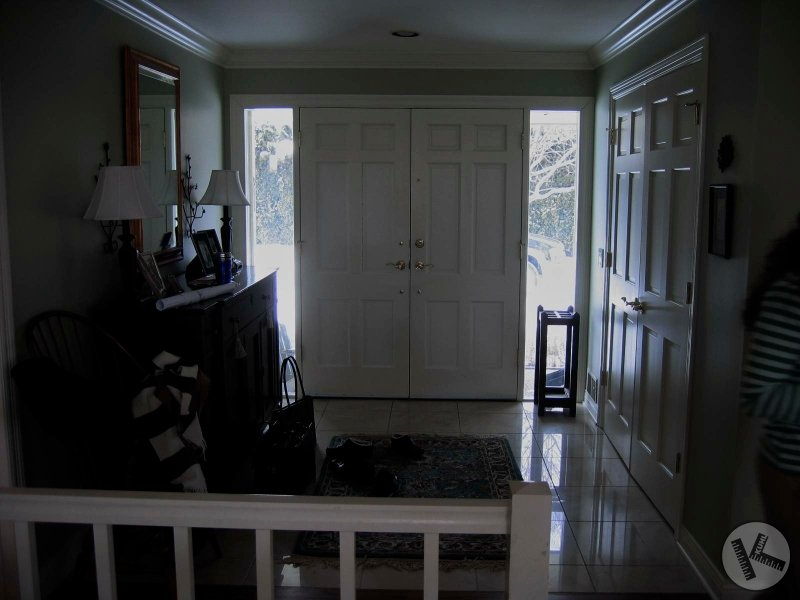 BEFORE: A Bland Entry for Deephaven Home